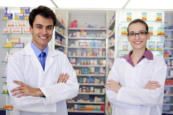 requisitos para poner una farmacia
