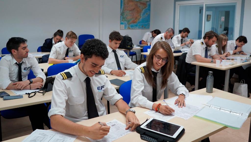 que hay que estudiar para ser piloto